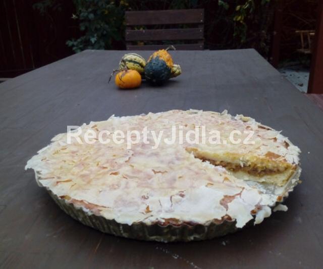 Jablečný koláč z bramborového těsta