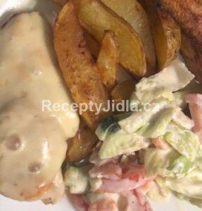 Kuřecí prsa se sýrem a americkými brambory