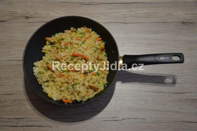 Kuskus se zeleninou a kuřecím masem