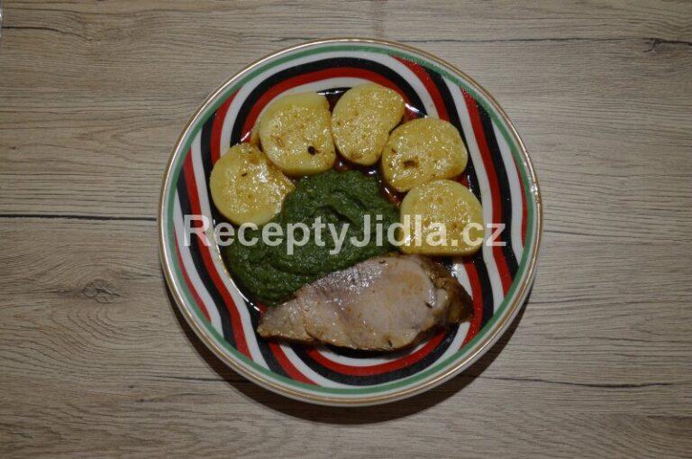 Vepřová pečeně se špenátem a br. knedlíkem