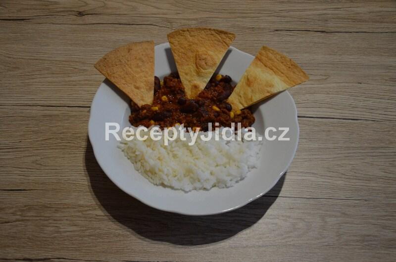 Chilli Con Carne s hovězím masem, rýže, tortily