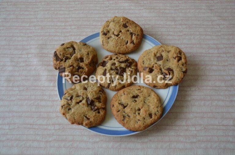 Cookies sušenky s čokoládou